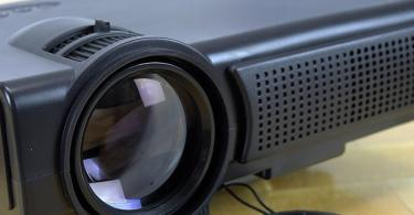 TENKER Q5 Mini Projecteur